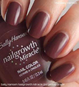 Sally Hansen Nailgrowth Miracle Gorgeous Grape