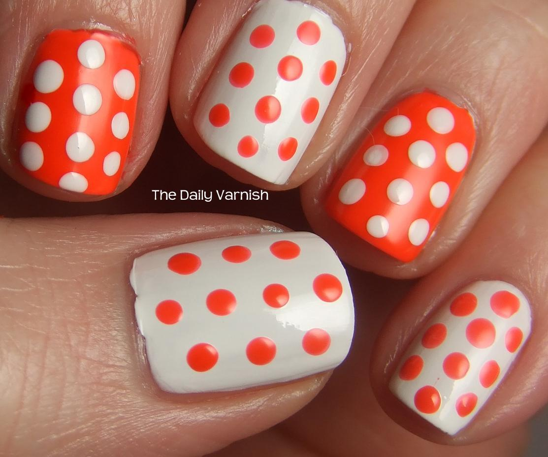 Nail Art: Alternating Polka Dots