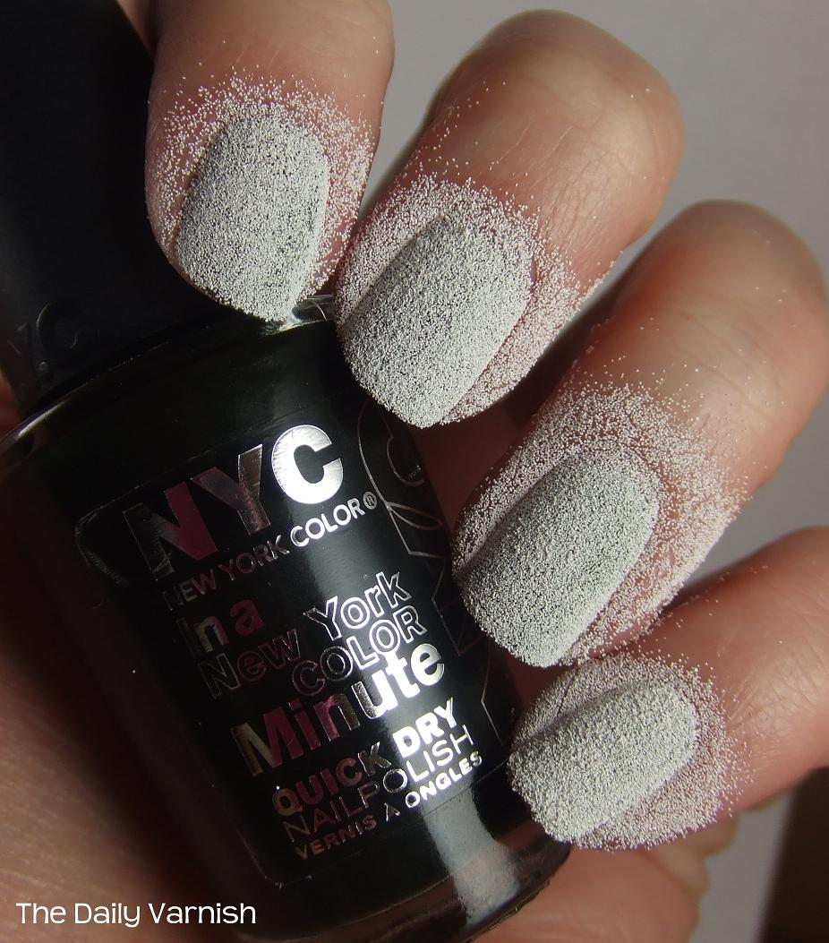 How Does Powder Nail Polish Work: DIY Liquid Sand Manicure
