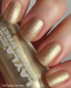 Layla 02 Golden Touch Top coat