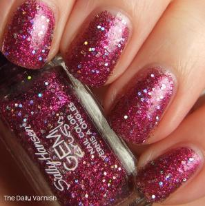 Sally Hansen GEM crush Lady Luck 4