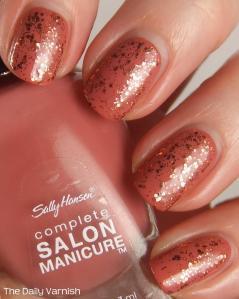 Adele Golden Globe Manicure 2013 1