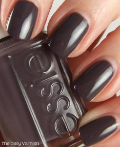 Essie Smokin' Hot 4