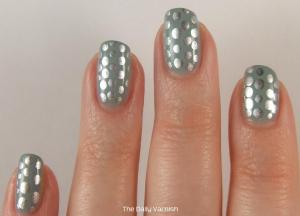 Metallic Polka Dot Nail Art 3