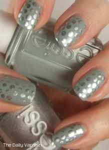 Metallic Polka Dot Nail Art 4