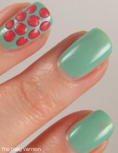 Textured Polka Dot Nail Art 3