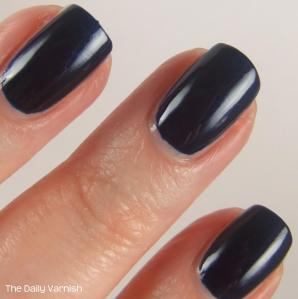 Essie Midnight Cami MACRO