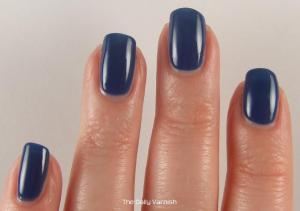 OPI Dating a Royal 3
