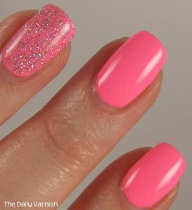 PISTOL polish Run The World and Pixi Fluoro Flamingo MACRO