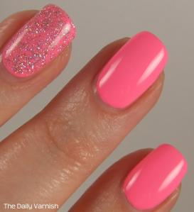 PISTOL polish Run The World and Pixi Fluoro Flamingo MACRO