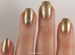 wet n wild Fergie nail color Grammy Gold 3