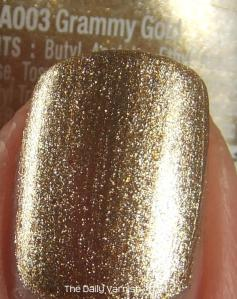 wet n wild Fergie nail color Grammy Gold MACRO 2