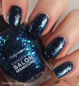 Sally Hansen Mermaid's Tale over butter LONDON Royal Navy 4