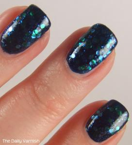 Sally Hansen Mermaid's Tale over butter LONDON Royal Navy MACRO
