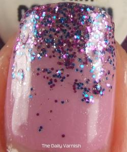 Sephora by OPI Too Good For Him Glitter Gradient MACRO 2